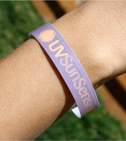 uvsunsense-uv-monitoring-wristbands-picture