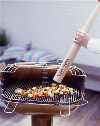 cole-and-mason-king-baseball-bat-pepper-mill-pictures-1
